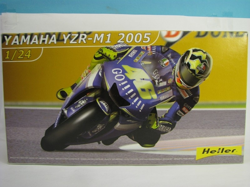 Yamaha YZR-M1 No.46 Rossi GP France Le Mans 2005 1:24 kit Heller